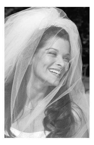 bride-smiling