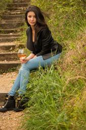 celine-morel-geneva-lake-with-wine-on-stairs_mg_1664-jpg