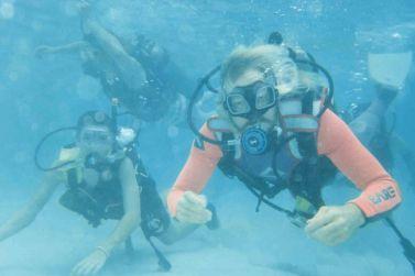 honeymoon-snorkeling