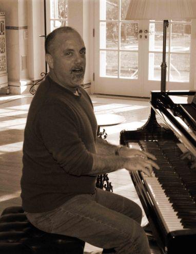joel-piano-wtl-574u9057